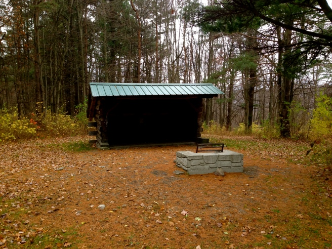 A well-maintained lean-to on the Hi Tor Blue Trail.